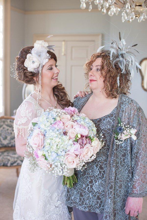 Šaty pro silnější matku nevěsty