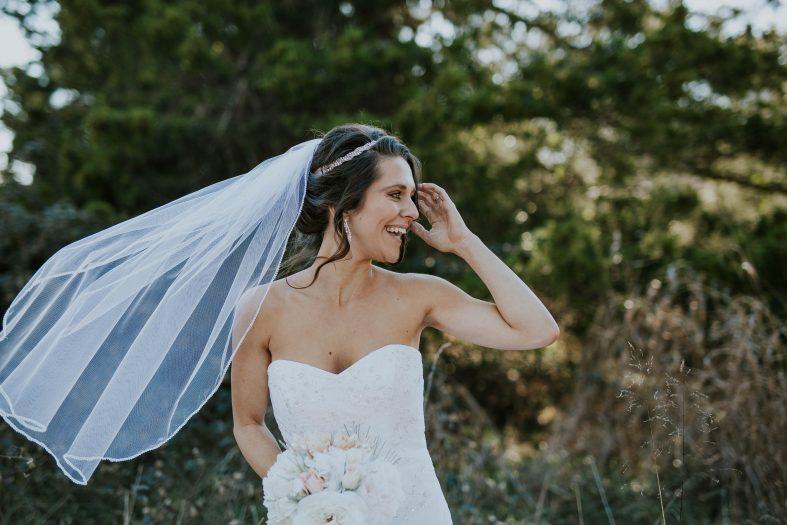 Jednoduchý krátký svatební závoj