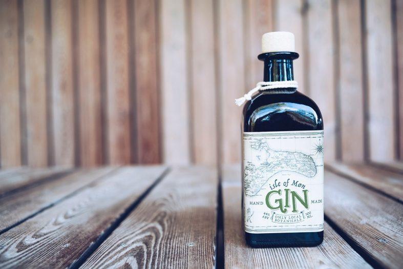 Gin jako dárek pro otce nevěsty při zásnubách