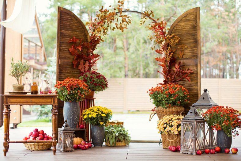 Podzimních motivů můžete využít i u svatební brány