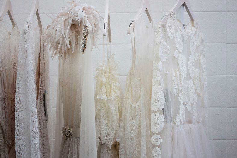 Čištění svatebních šatů