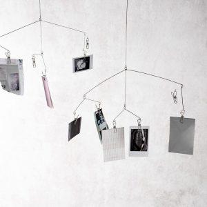 Držák na polaroidové fotky