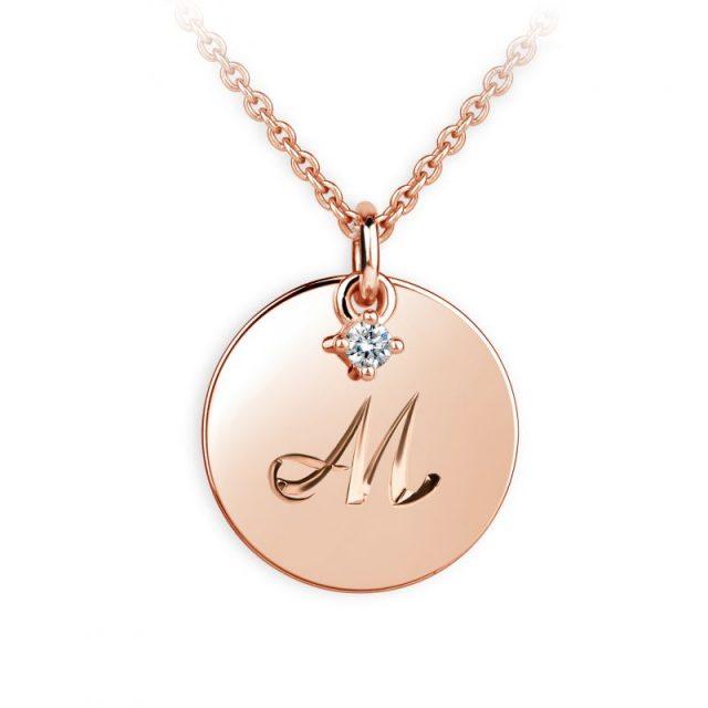 Přívěsek z růžového zlata s briliantem, placička DF P120 písmeno M