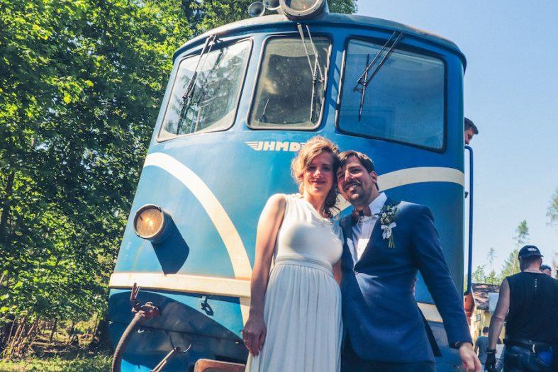 Svatební focení u vlaku