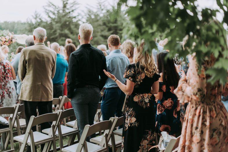 Oblečení na svatbu jako host