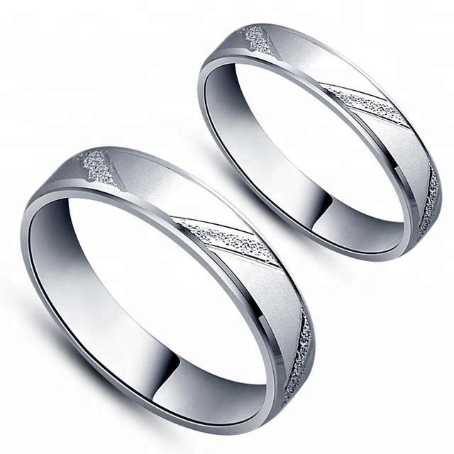 3643 Snubní prsten ze stříbra