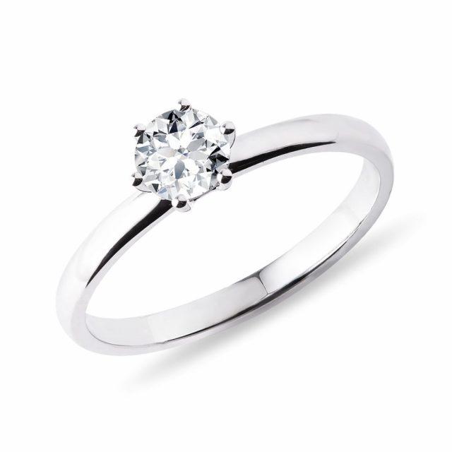Zásnubní prsten z bílého zlata s 0,5ct diamantem KLENOTA