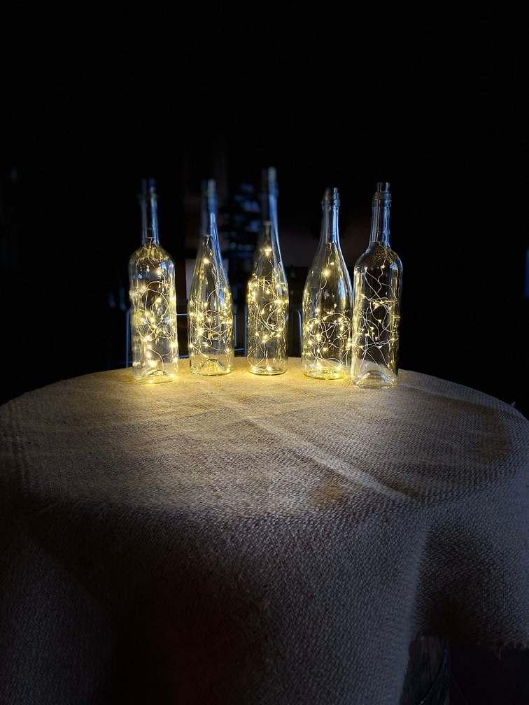 Světelné lahve na svatbě