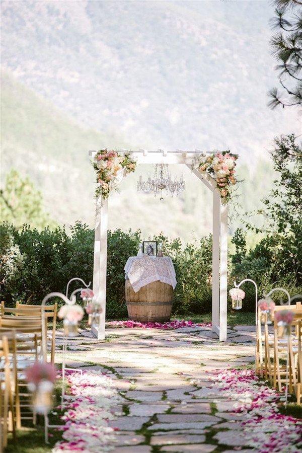 Barel na svatebním obřadu