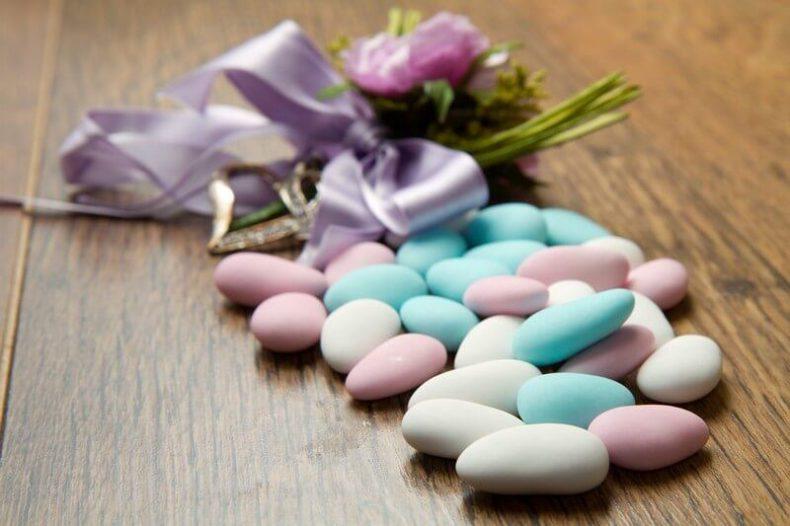 Barevné svatební kamínky