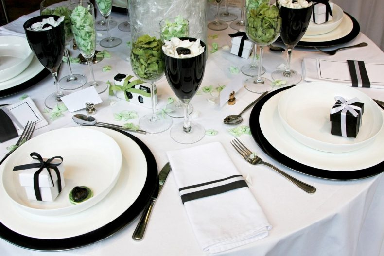 Černo-bílo-zelená svatební tabule