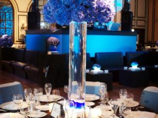 Černo-modrá svatební dekorace
