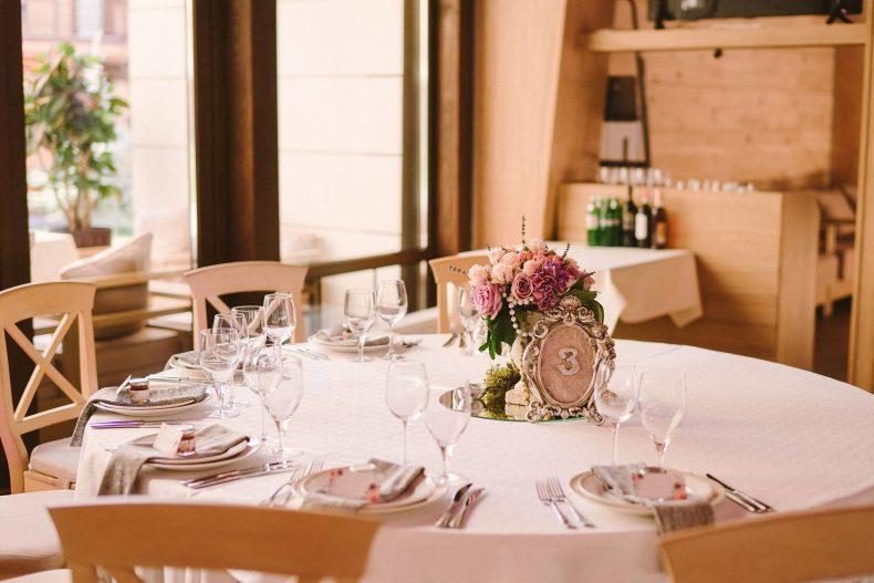 Svatební stoly můžete očíslovat