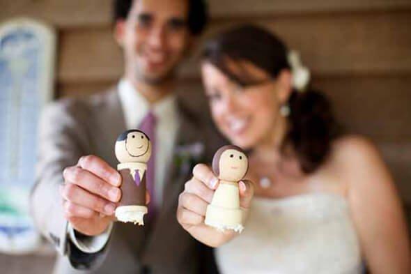 Dřevěné figurky na svatební dort