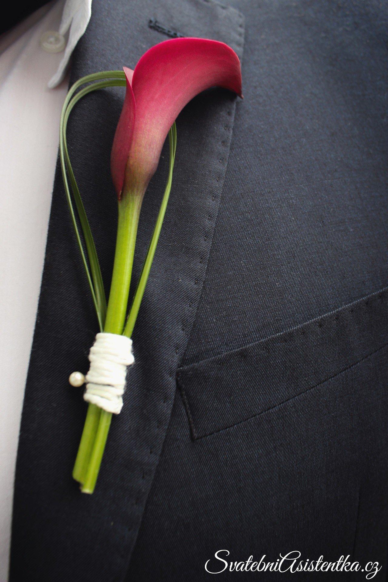 Hotová korsáž na saku