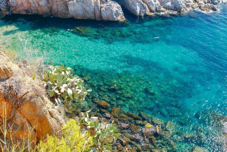 Křišťálová voda nedaleko Tossa de Mar