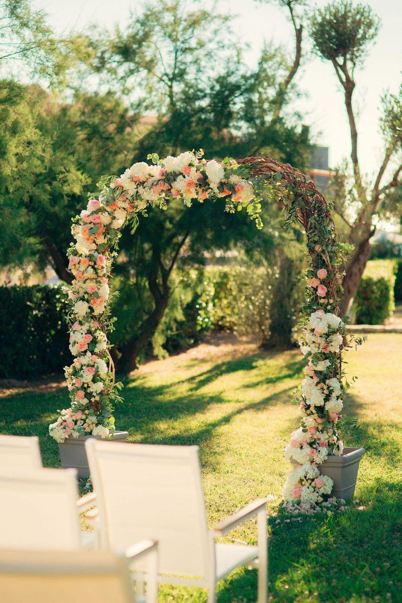 Květinová svatební brána