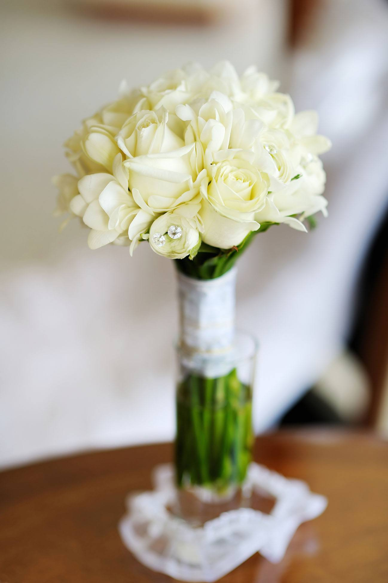Kytice krémových růží