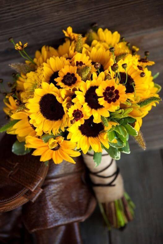 Kytice ze slunečnic a krásnooček žlutých