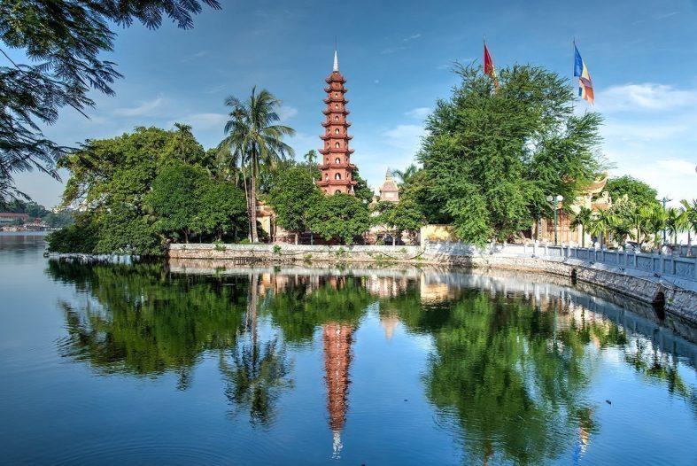 Nejstarší buddhistický chrám v Hanoji - Tran Quoc Pagoda