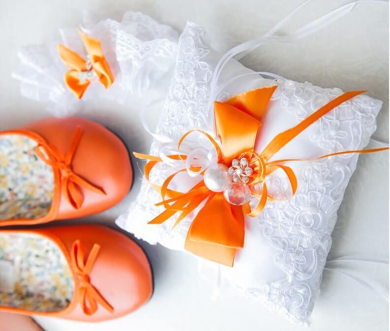 Oranžové svatební balerínky