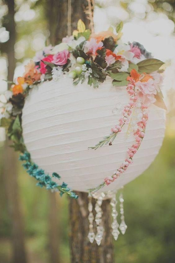 Papírový lampion na svatbě