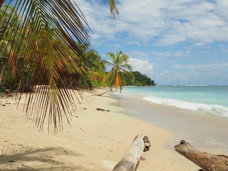 Pláž v Národním parku Cahuita