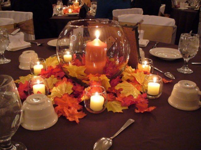 Svatební tabule laděná do podzimních tónů