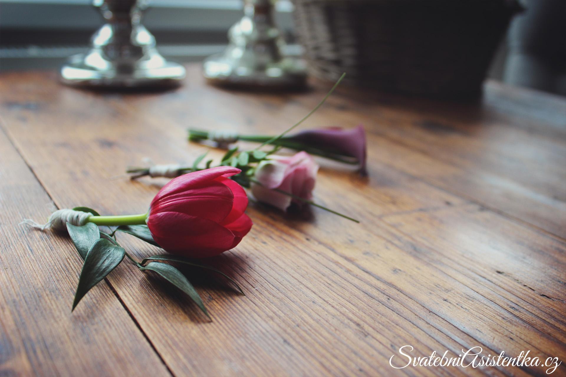 Jak vyrobit korsáž pro ženicha – návod krok za krokem