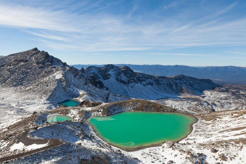 Smaragdové jezero v Národním parku Tongariro, zima