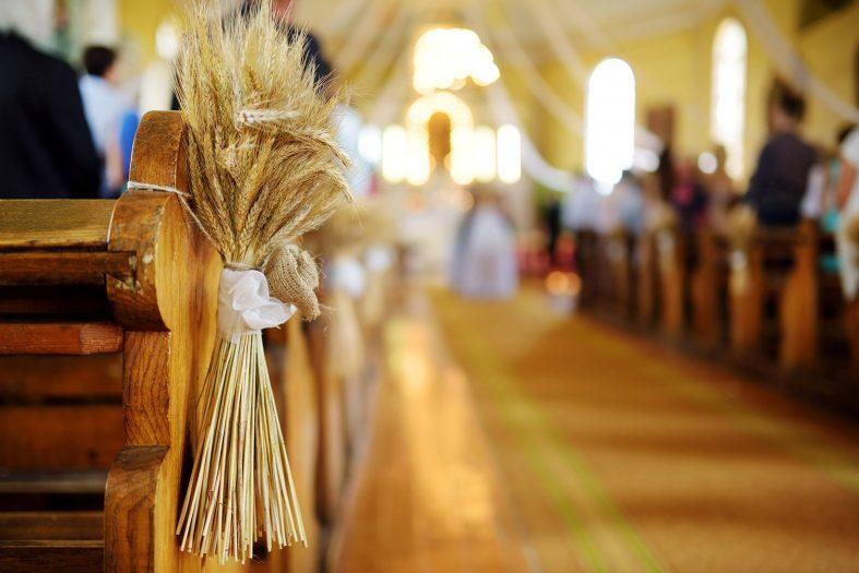 Snopy jako ozdoba svatebního obřadu