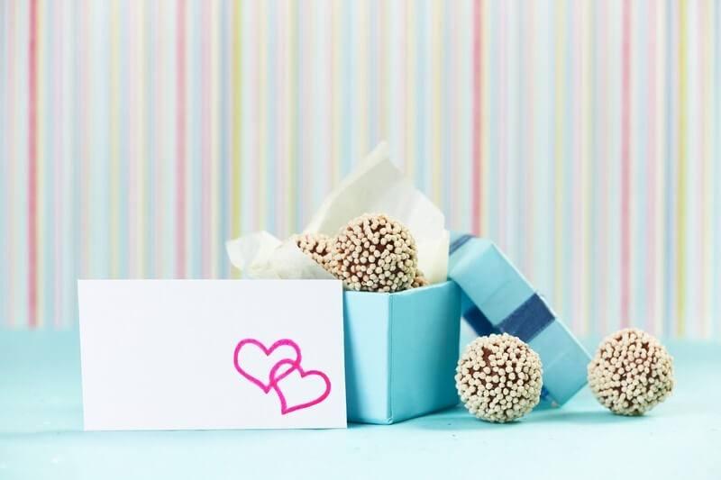 Svatební oznámení s bonbóny