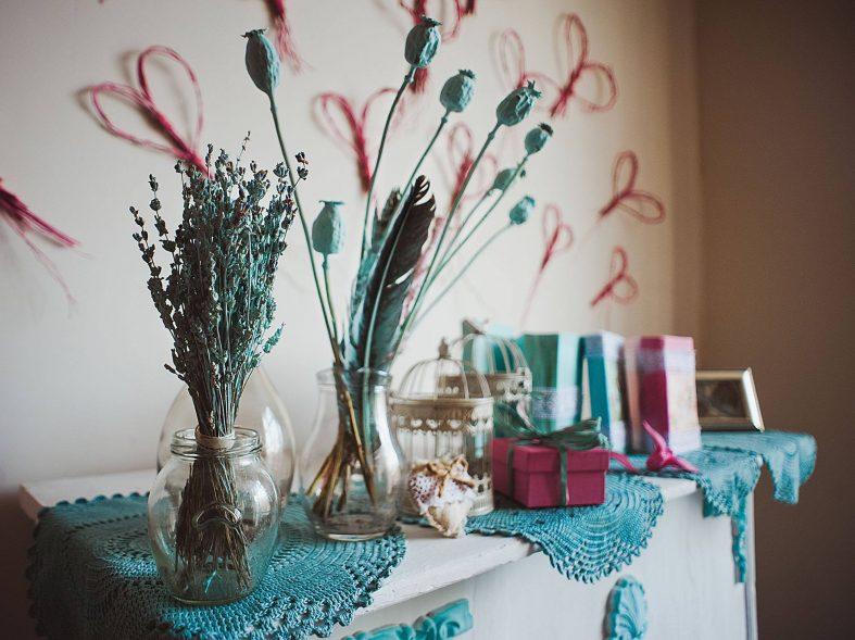Tyrkysovo-růžové svatební zátiší