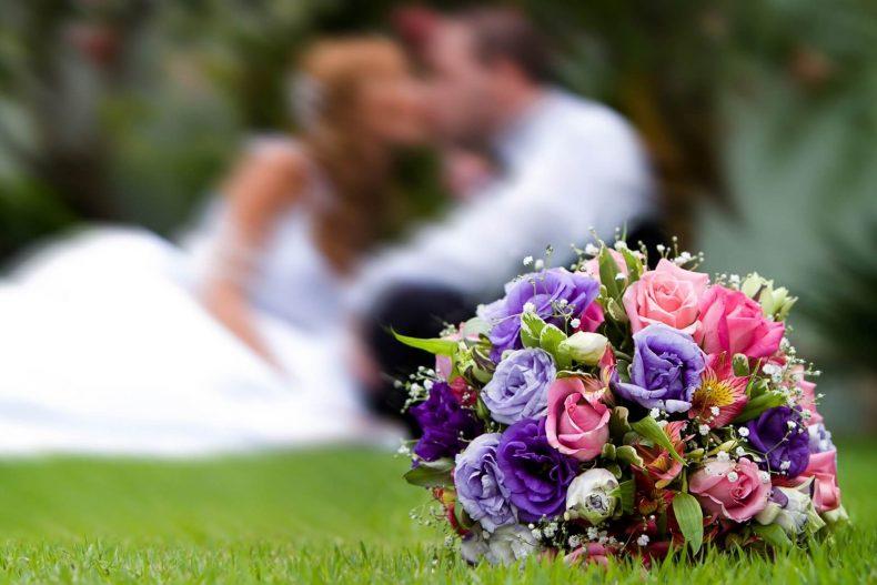 Vázaná svatební kytice