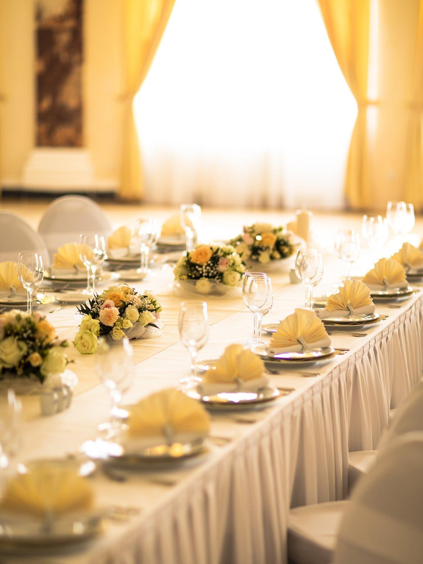 Výzdoba svatebního stolu - Imperial Karlovy Vary