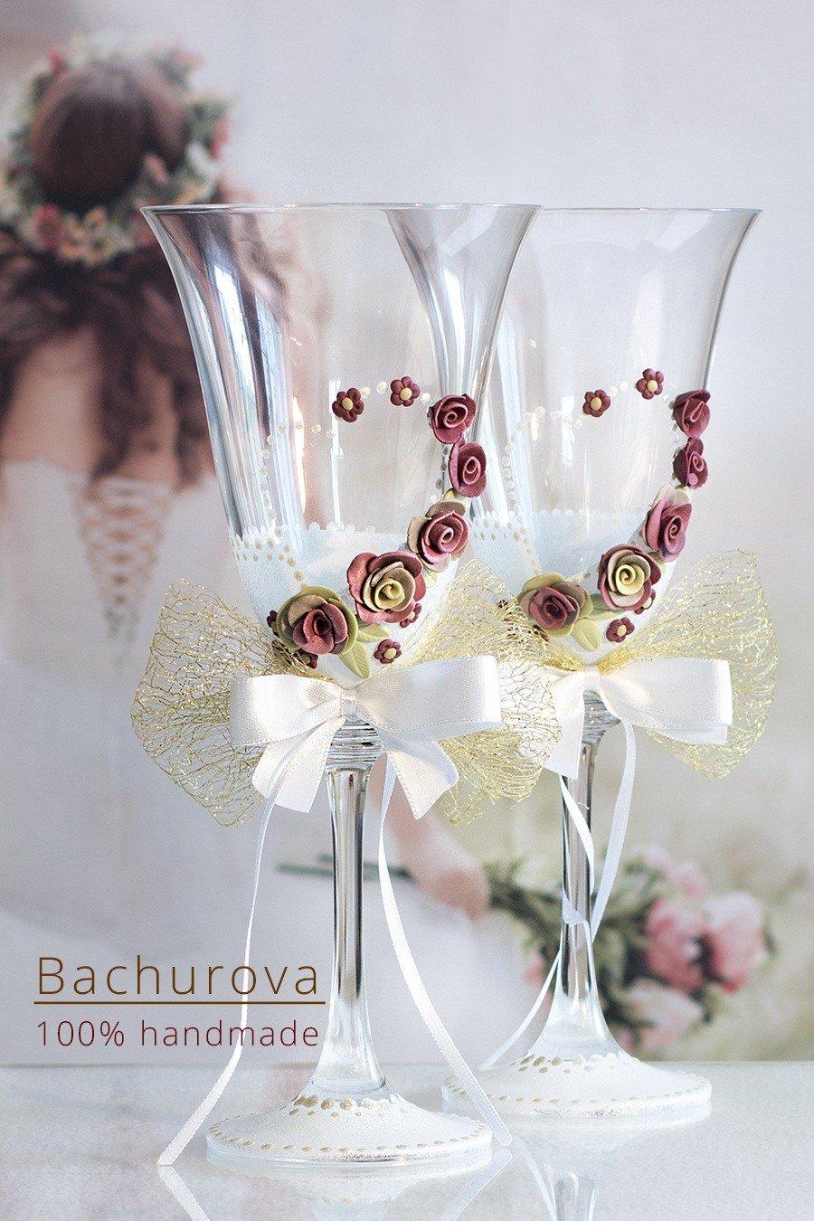 Zdobené svatební skleničky